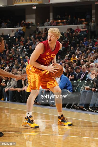 Chase Budinger of the Indiana Pacers defends the ball against the New York Knicks during the game on February 24 2016 at Bankers Life Fieldhouse in...
