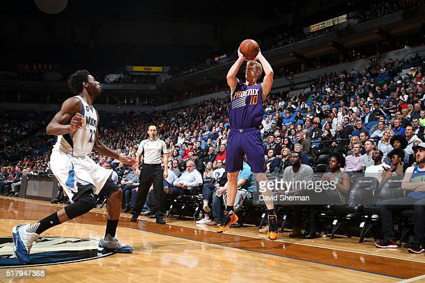 Chase Budinger of the Phoenix Suns shoots the ball during the game against the Minnesota Timberwolves on March 28 2016 at Target Center in...