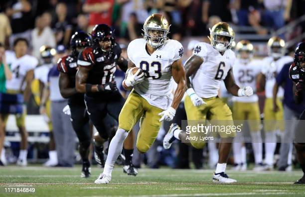 Chase Claypool of the Notre Dame Fighting Irish runs with the ball against the Louisville Cardinals on September 02 2019 in Louisville Kentucky