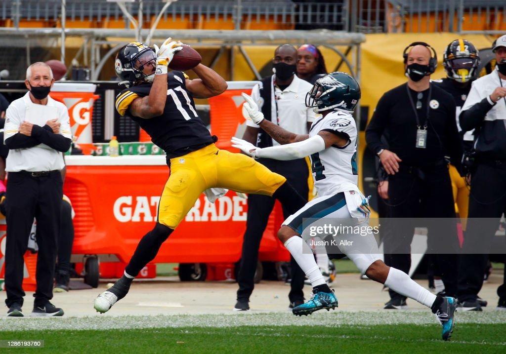 Philadelphia Eagles v Pittsburgh Steelers : News Photo