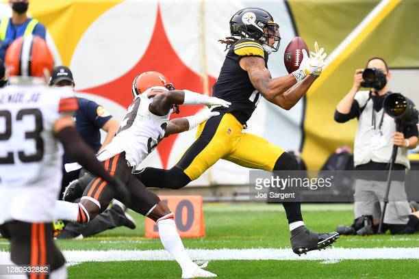 Chase Claypool of the Pittsburgh Steelers makes a 36-yard catch against the Cleveland Browns during their NFL game at Heinz Field on October 18, 2020...
