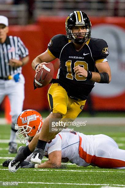 Chase Daniel of the University of Missouri Tigers rushes against the University of Illinois Fighting Illini during the State Farm Arch Rivalry game...