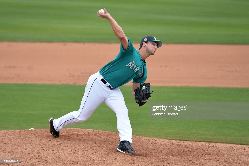 Chase De Jong #77 of the Seattle Mariners delivers a pitch in the fifth inning of the spring training game against the Oakland Athletics at Peoria Stadium on March 5, 2017 in Peoria, Arizona.