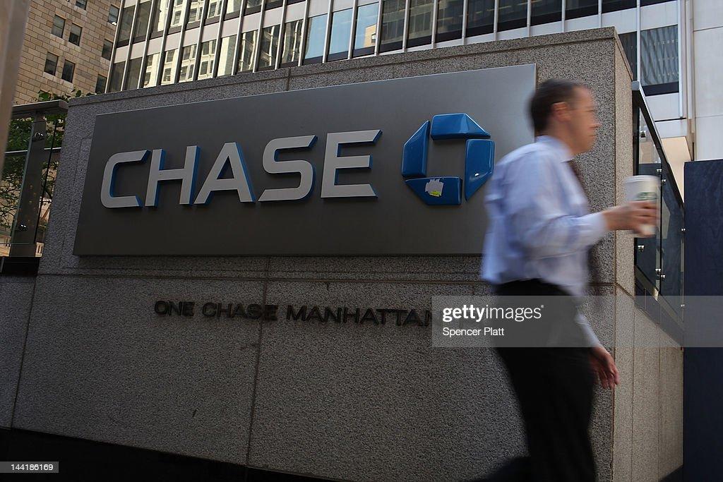 Markets React To JPMorgan Chase Reporting 2 Billion Dollar Loss : News Photo
