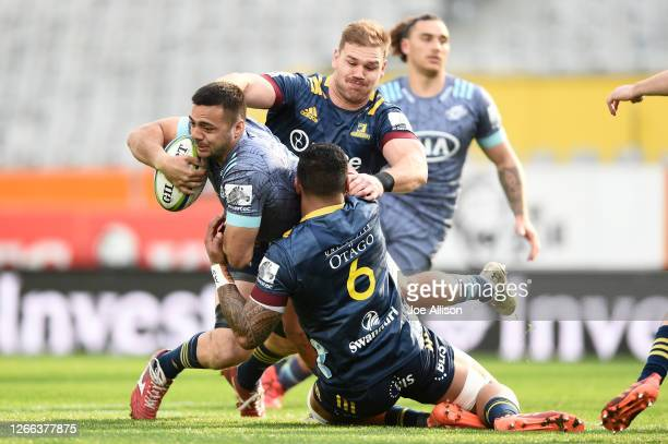 Chase Tiatia of the Hurricanes charges forward during the round 10 Super Rugby Aotearoa match between the Highlanders and the Hurricanes at Forsyth...