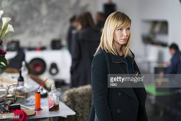 UNIT 'Chasing Theo' Episode 1813 Pictured Kelli Giddish as Detective Amanda Rollins