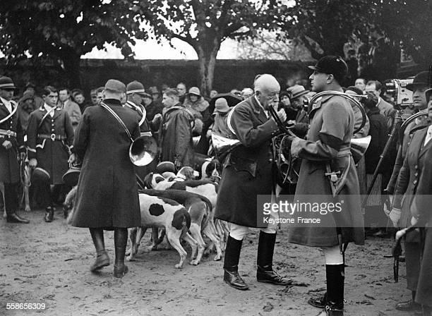 Chasse à courre de la duchesse d'Uzès dans la forêt de Rambouillet, France en 1930.