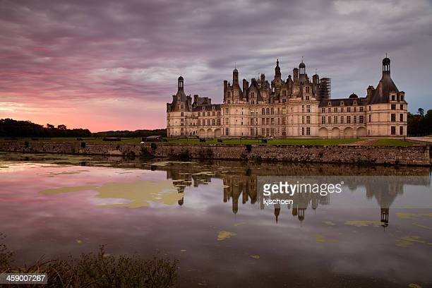 chateau de chambord sunrise - loire valley stock pictures, royalty-free photos & images
