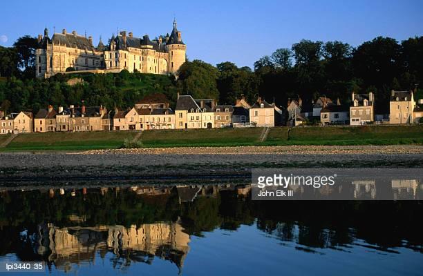 chateau de chaumont above river, loire valley, chaumont-sur-loire, france - loir et cher stock pictures, royalty-free photos & images