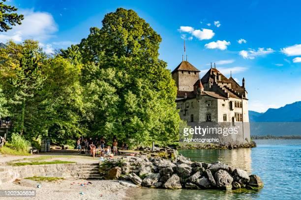 ジュネーブ湖のシャトー・ド・チヨン、スイス - ヴォー州 ストックフォトと画像