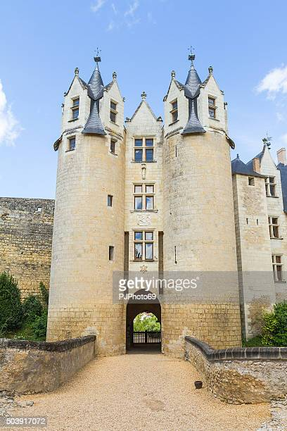 chateau de montreuil-bellay - france - pjphoto69 stock pictures, royalty-free photos & images