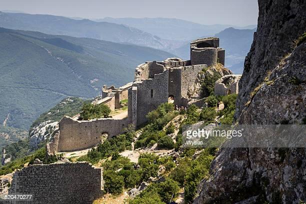 chateau de peyrepertuse aude - languedoc rousillon stock pictures, royalty-free photos & images