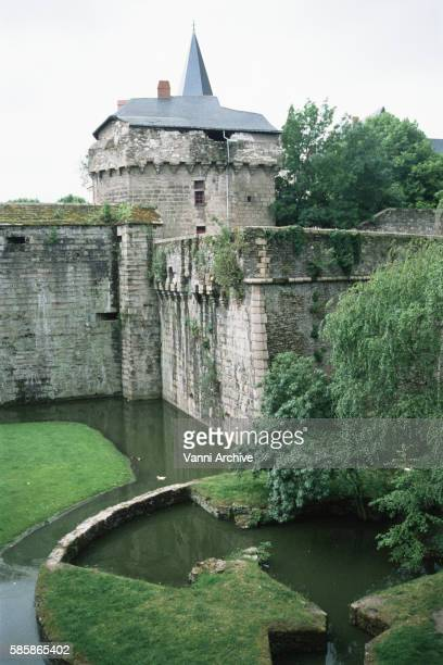 chateau des ducs de bretagne in nantes: mercoeur bastion - loire atlantique stock pictures, royalty-free photos & images