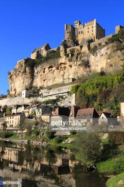Chateau et village de Beynac en Périgord Noir classé parmi les plus beaux villages de France Dordogne 16 novembre 2012