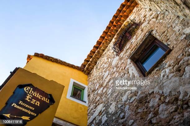 château eze architecture et construction - eze village photos et images de collection