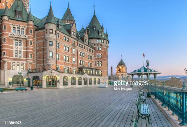 chateau frontecac at dawn, quebec, canada - chateau frontenac hotel stock pictures, royalty-free photos & images