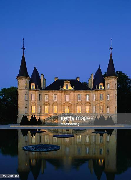 chateau pichon longueville, bordeaux, france - bordeaux stock pictures, royalty-free photos & images