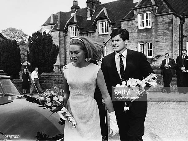 Chatsworth, Edward Kennedy And His Wife Joan Going On The Grave Of His Sister In 1965
