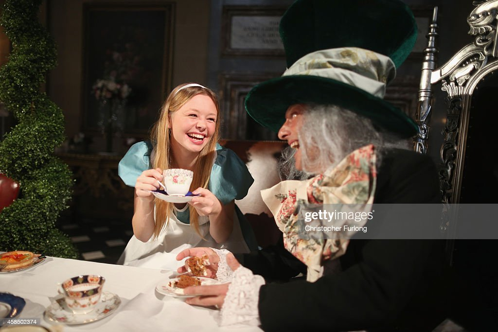 Chatsworth House Staff Members Ellie Cooper Aged 19 And Tim News Photo Getty Images