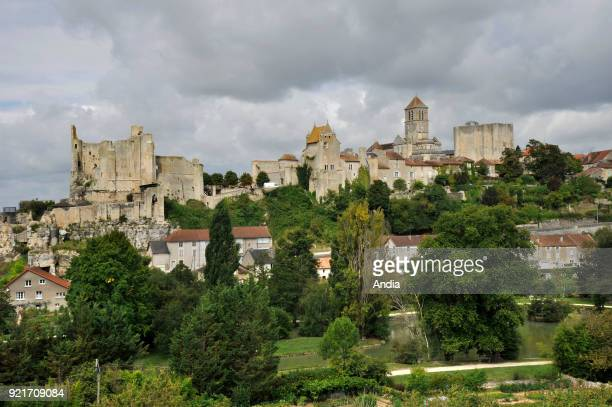 Chauvigny : overview of the medieval city.