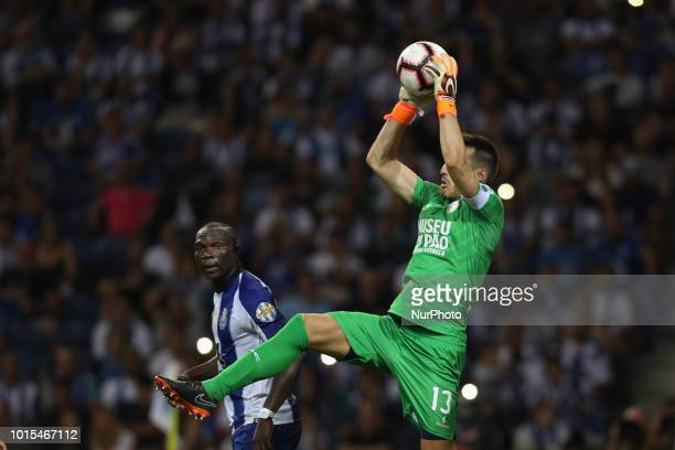 GD Chaves Portuguese goalkeeper Ricardo Nunes in action during the Premier League 2018/19 match between FC Porto and GD Chaves at Dragao Stadium in...