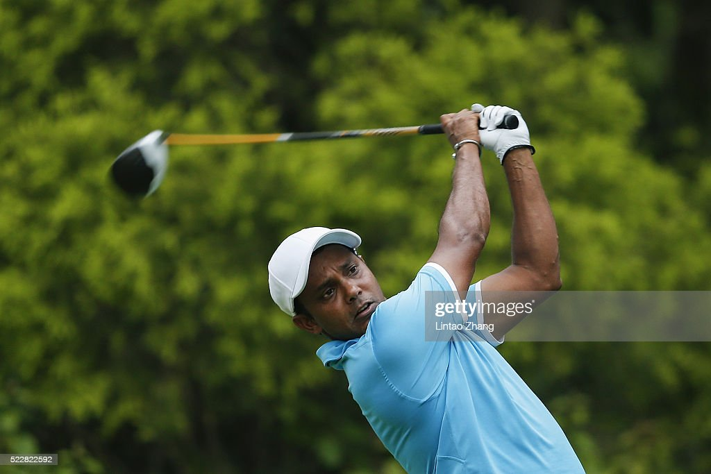 Chawrasia of India plays a shot during the first round of the Shenzhen International at Genzon Golf Club on April 21, 2016 in Shenzhen, China. Photo by Lintao Zhang/Getty Images)