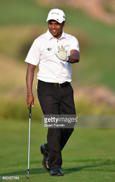 Chawrasia of India waves on the 18th hole during the final round of the Hero Indian Open at Dlf Golf and Country Club on March 12, 2017 in New Delhi,...