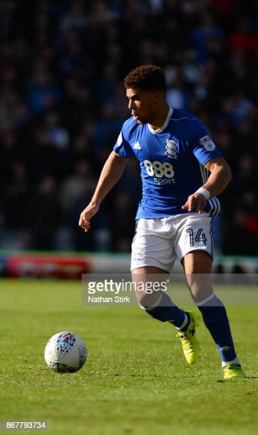 Che Adams of Birmingham in action during the Sky Bet Championship match between Birmingham City and Aston Villa at St Andrews on October 29 2017 in...