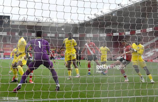 Che Adams of Southampton scores their side's first goal during the Premier League match between Southampton and Fulham at St Mary's Stadium on May...