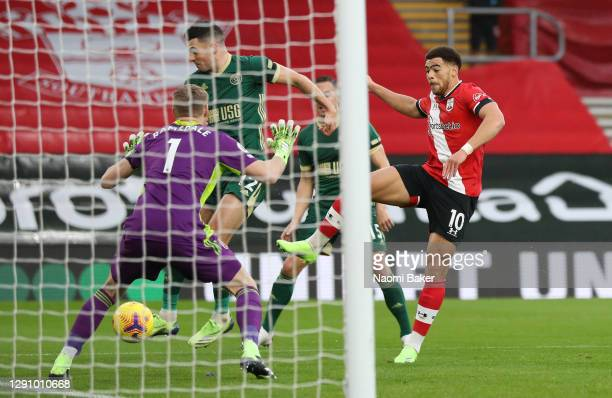 Che Adams of Southampton scores their team's first goal during the Premier League match between Southampton and Sheffield United at St Mary's Stadium...