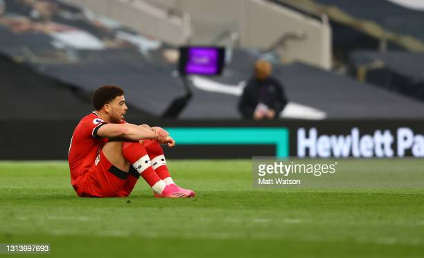 Che Adams of Southampton shows his dejection during the Premier League match between Tottenham Hotspur and Southampton at Tottenham Hotspur Stadium...