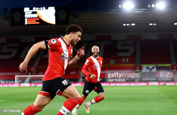 Che Adams of Southampton wheels away to celebrate after putting his team 2-1 up during the Premier League match between Southampton and Crystal...