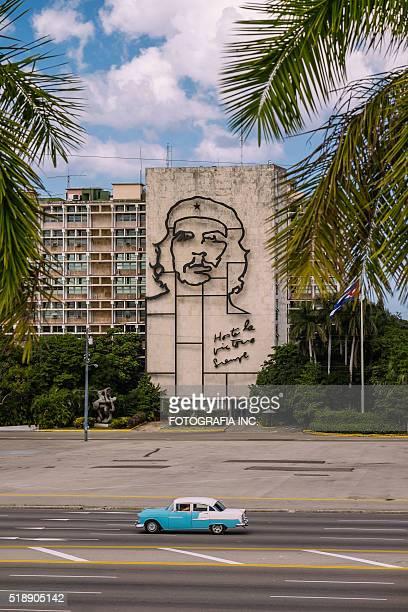 che guevara in havana, cuba - plaza de la revolución havana stock photos and pictures