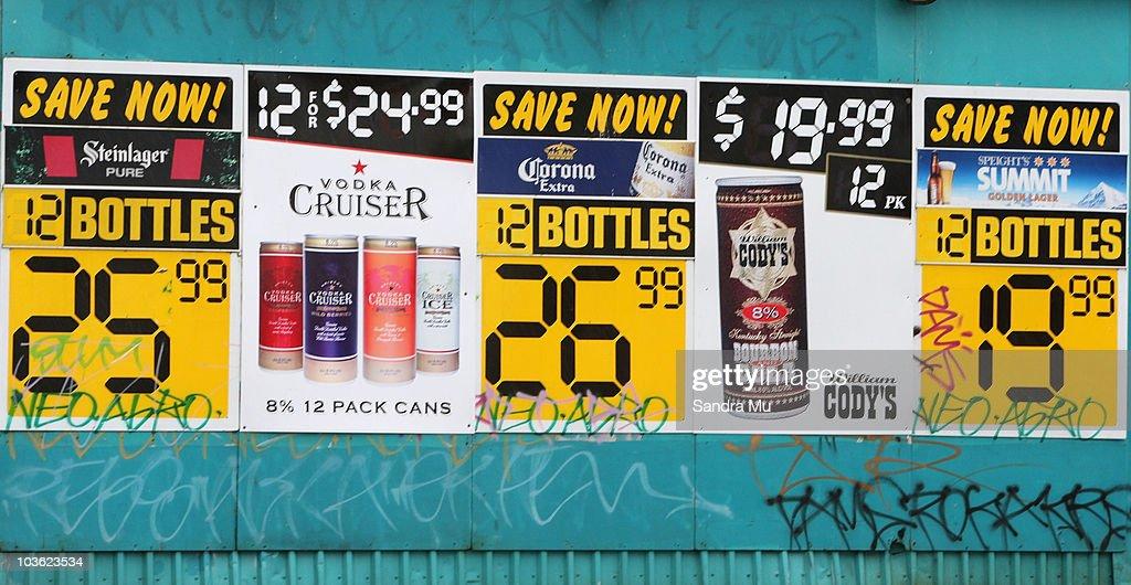 Photos Et Images De Government Announces Liquor Law Reforms - Alcohol age limit