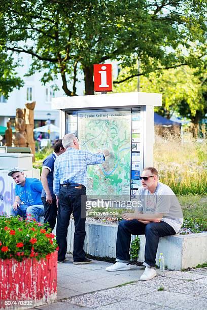 Checking map of Essen Kettwig
