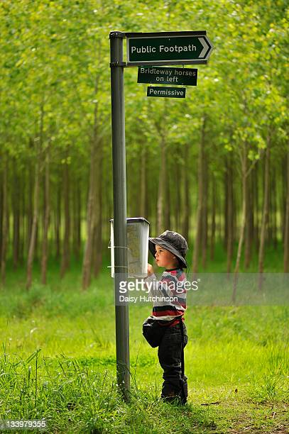 checking map - bucklebury stock pictures, royalty-free photos & images