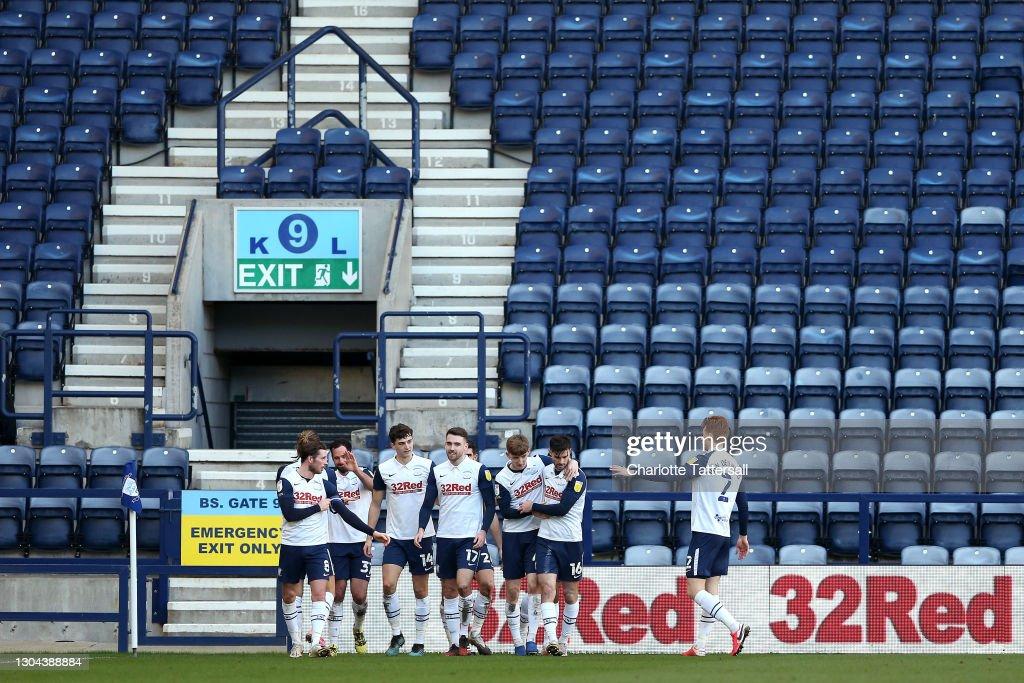 Preston North End v Huddersfield Town - Sky Bet Championship : News Photo