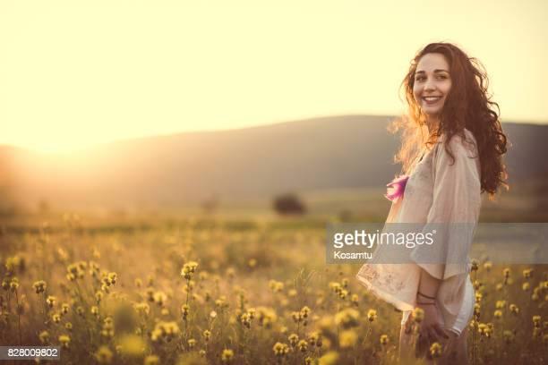 verano alegre - resurgimiento neoclásico fotografías e imágenes de stock