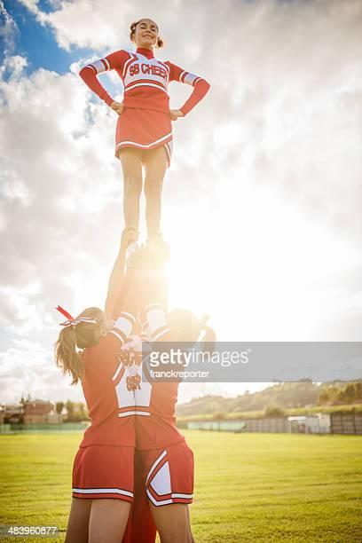 Cheerleader Mädchen auf den Erfolg