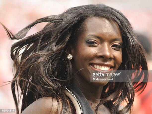 A cheerleader of the Tampa Bay Buccaneers entertains during play against the Green Bay Packers at Raymond James Stadium on September 28 2008 in Tampa...