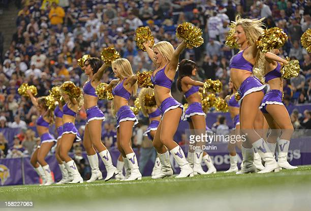 Chicago Bears Cheerleaders Stock Photos And Pictures