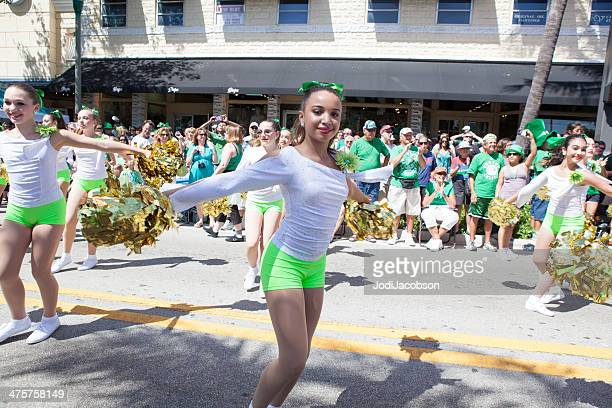 cheerleaders march in st. patrick's day parade  rm - delray beach stock pictures, royalty-free photos & images