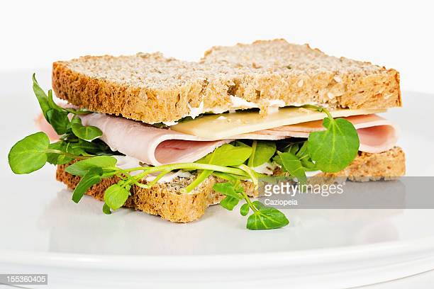 Käse und Schinken-Salat-Sandwich