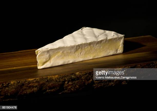 cheese - brie stockfoto's en -beelden