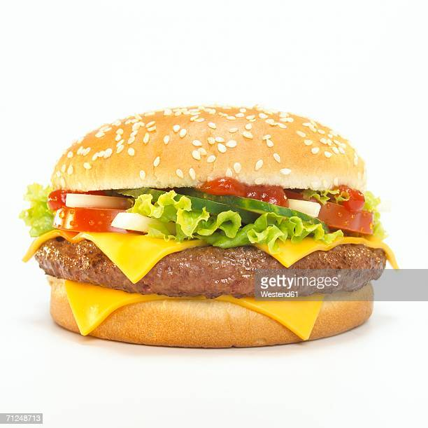 cheeseburger, close-up - hamburger stock pictures, royalty-free photos & images