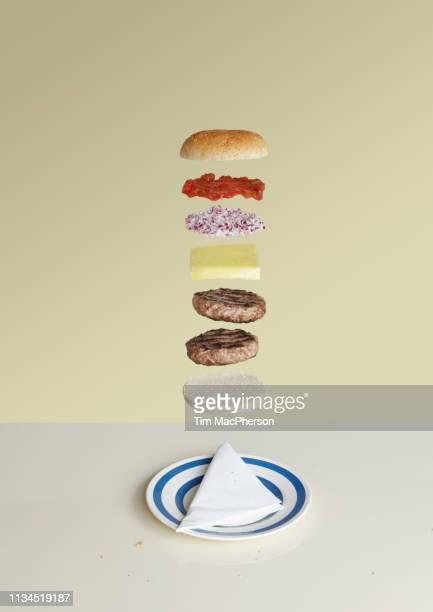 cheeseburger deconstructed - concetti e temi foto e immagini stock