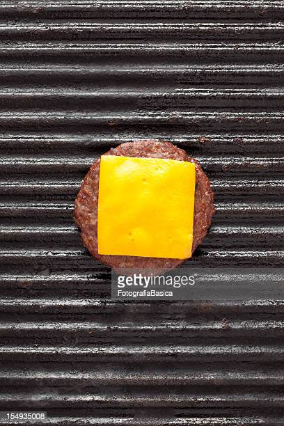 cheeseburger - cheeseburger stock pictures, royalty-free photos & images