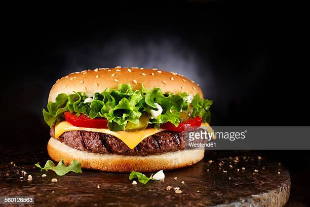 cheeseburger - hamburger stock pictures, royalty-free photos & images