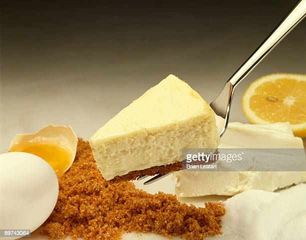 Cheesecake and ingredients