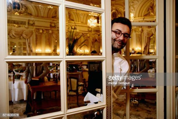 Chef Alain Ducasse in Restaurant